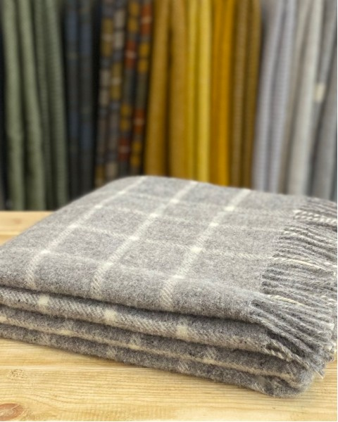 Check Pure New Wool Throw Home & Living