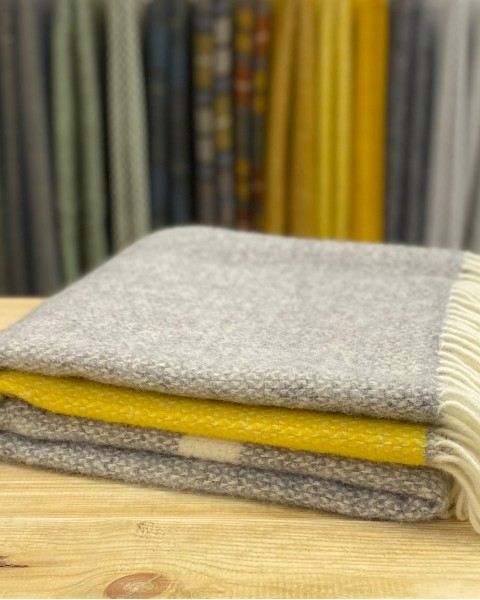 Pure New Wool Throw - Illusion Home & Living